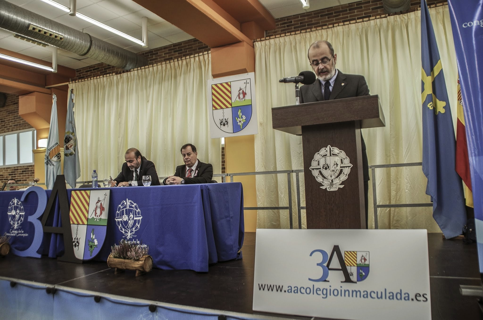 Conclusiones y clausura (domingo 19)